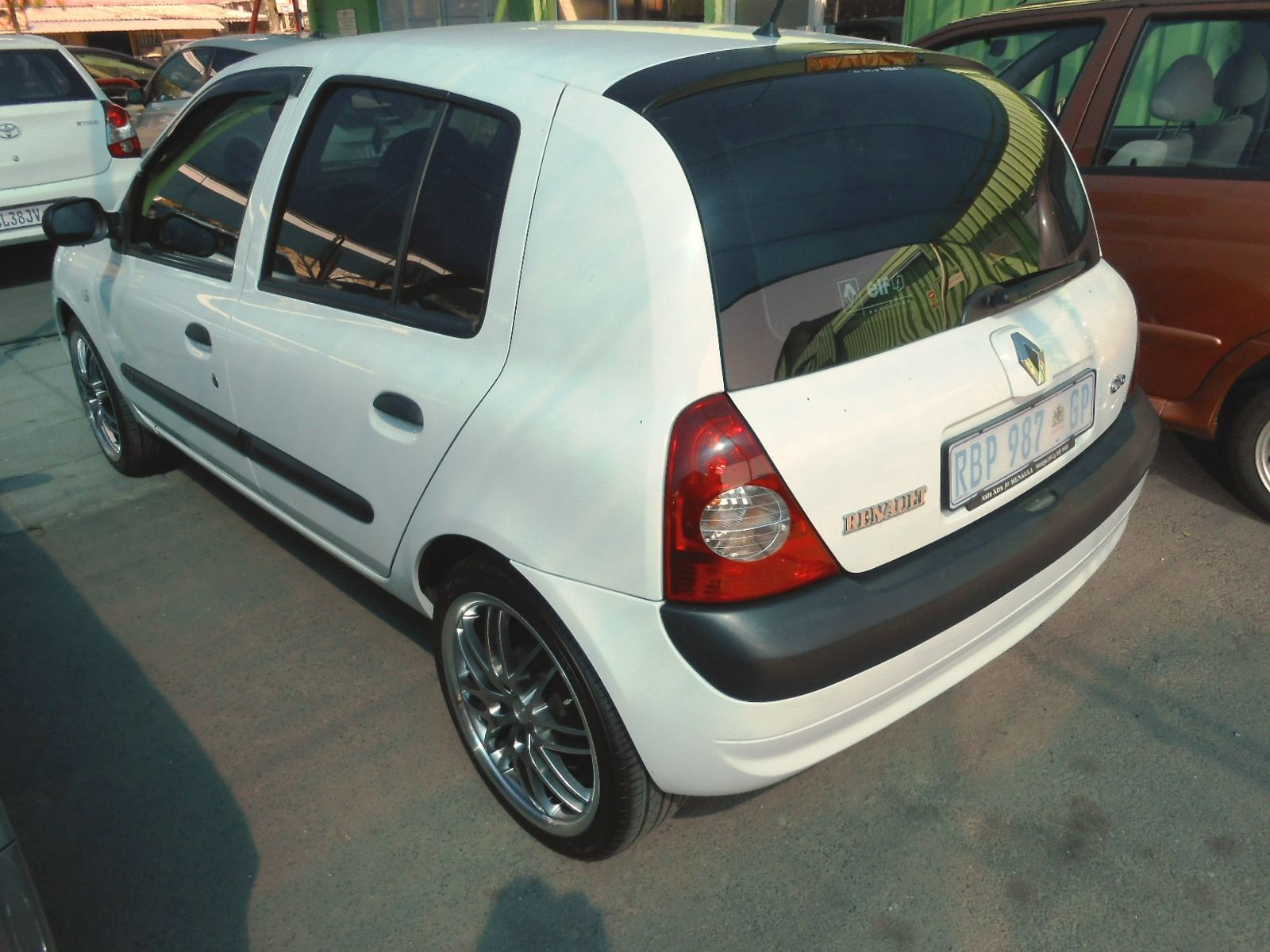 renault clio 1 4 expression for sale in roodepoort gauteng. Black Bedroom Furniture Sets. Home Design Ideas